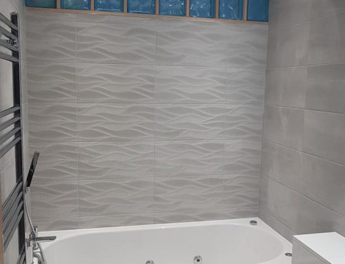 New Whirlpoool Bath and Feature Tiles